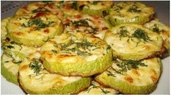 Ropogós sajtos cukkinikarikák, sütőben sütve! Ez a recept egyszerűen tökéletes!
