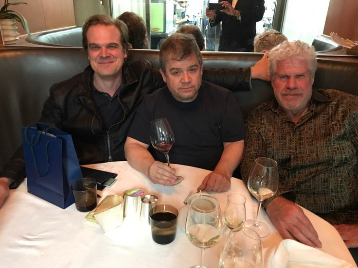 'Hellboy' portrayers Ron Perlman and David Harbour meet for dinner
