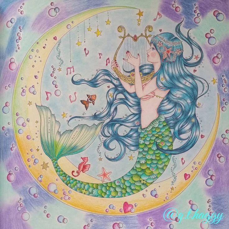 人魚姫完成しました~水彩を部分的にいれようかと思っていたのですが、紙質の問題で諦めて色鉛筆とパステルペンシルとパンパステルとシグノのスパークリングペンで仕上げました~ #塗り絵 #大人の塗り絵 #大人のぬりえ #ぬり絵ブック #コロリアージュ #ぬりえ #おとなのぬりえ #たけいみき #夢色プリンセス塗り絵 #人魚姫 #mikitakei #coloriage #coloringbookforadults #coloringbook #coloringpencils #coloring #adultcoloringbooks #adultcoloring