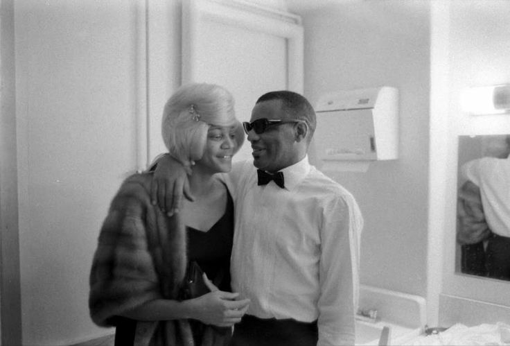Ray Charles meeting an unidentified woman in his dressing ...