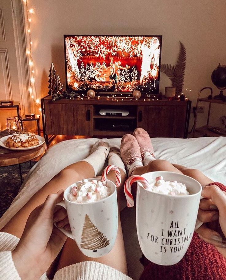 Christmas aesthetic 15 couples show the love moment (With