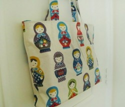 Russian Dolls Tote Bag at S$37.70  >> http://bit.ly/w1brhQ