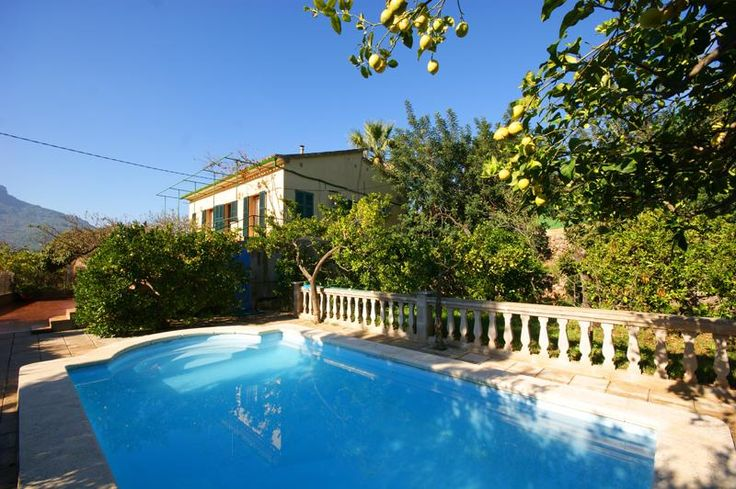 £121 Situated just outside the town of Sóller, in Sierra de Tramuntana Mountains, Villa Ideal features a charming terrace with outdoor furniture, private pool,...