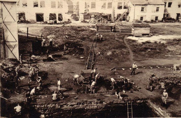 Раскопки на Ярославовом дворище в Новгороде 1947 г.: starcheolog