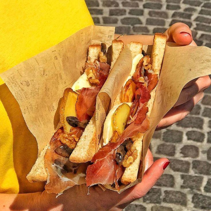 """""""Mi piace"""": 1,096, commenti: 15 - CAPATOAST Toasteria (@capatoast) su Instagram: """"ESAGERATO (mai nome fu più azzeccato)  Uno dei New Toast di @capatoast farcito con speck, provola…"""""""