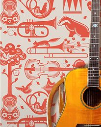 Pet Sounds Wallpaper Harvest Orange från Mini Moderns 550 kr/rulle från tapetorama.