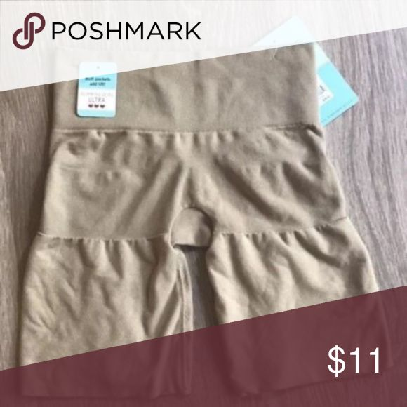 """Assets Spanx Womens Nude Size XL NWT Brand: Assets by Sara Blakely  Style: Mid Thigh Nude Shape-wear Spanx with Butt Pockets  Size: XL Condition: New With Tags Material: 84% Nylon, 15% Spandex, 1% Cotton Measurements: Length: 14"""" From Top to Bottom of Spanx ASSETS by Sara Blakely Intimates & Sleepwear Shapewear"""