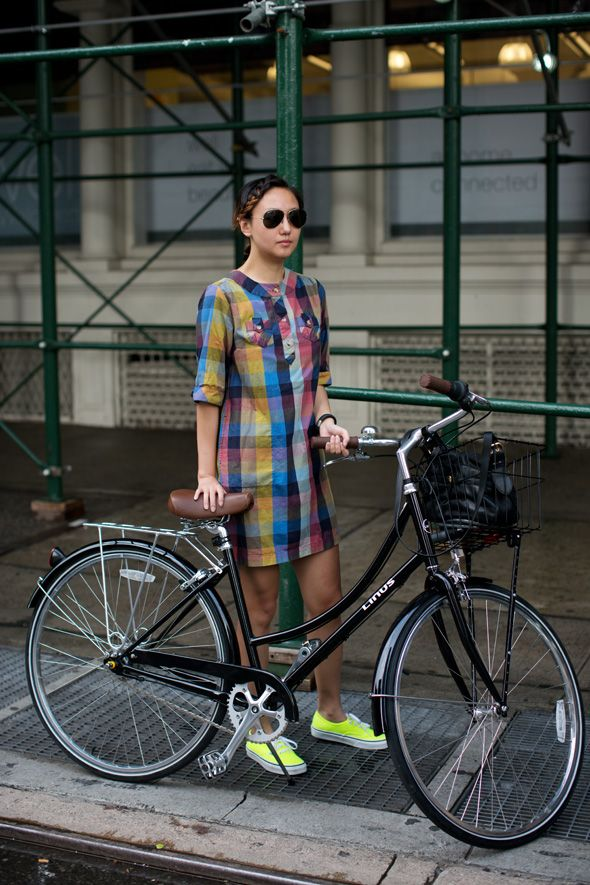 (via On the Street…..Lafayette St., New York «The Sartorialist)Bikes And Babes, Bicycles Girls, Streetlafayett St, Street Style, Shift Dresses, Tandem Bicycles, The Dresses, Cycling Chic, Bikes Style