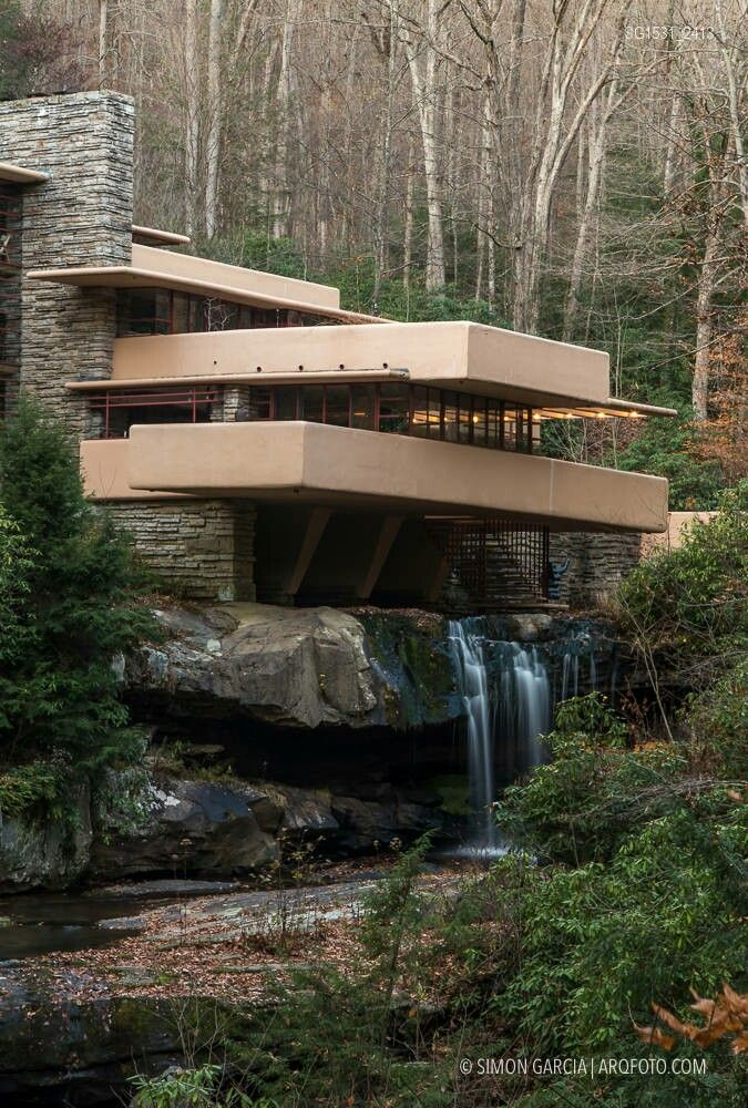 17 best ideas about octagon house on pinterest round for Frank lloyd wright casa della prateria