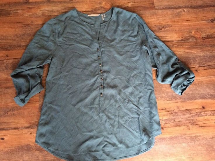 Soft Surroundings Top Green Round Buttons Roll Up Sleeves Rayon Size S Small #SoftSurroundings #Blouse