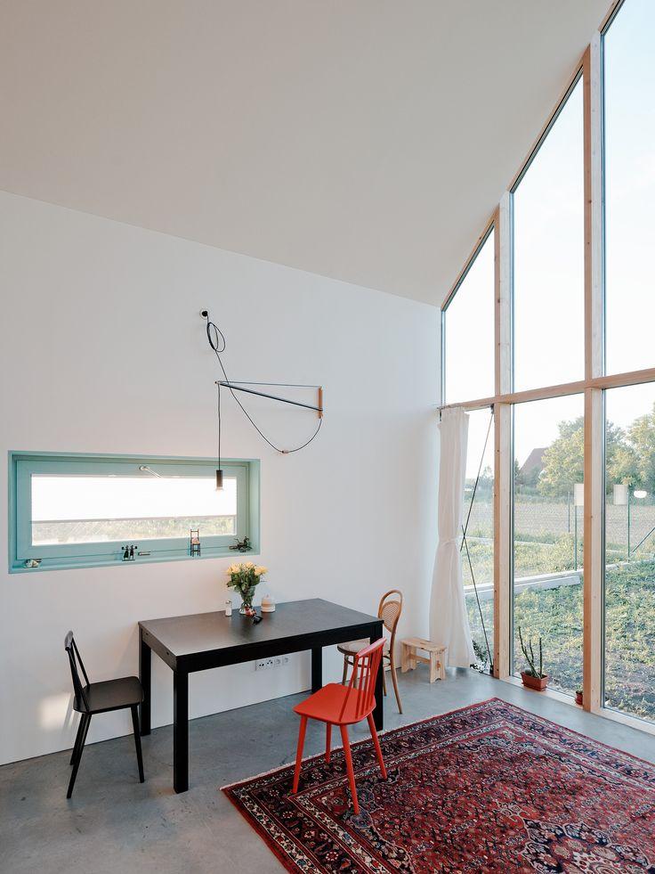 Dit familiehuis laat zien hoe je slim omgaat met een schuin plafond - Roomed