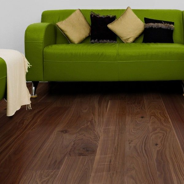 #Noce americano Parquet prefinito #Maxiplancia Collection Earth di #parquet-direct