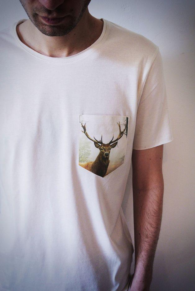 Weißes T-Shirt für Männer mit Hirsch Aufdruck / white shirt for men with deer print made by prettysucks via DaWanda.com