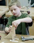 Holzbearbeitungsprojekt für Kinder: Eine T-Rex-Figur, ideal für Webelos Craftsman-Anstecknadel #woodw …