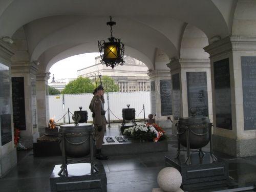 Tumba del soldado desconocido Varsovia