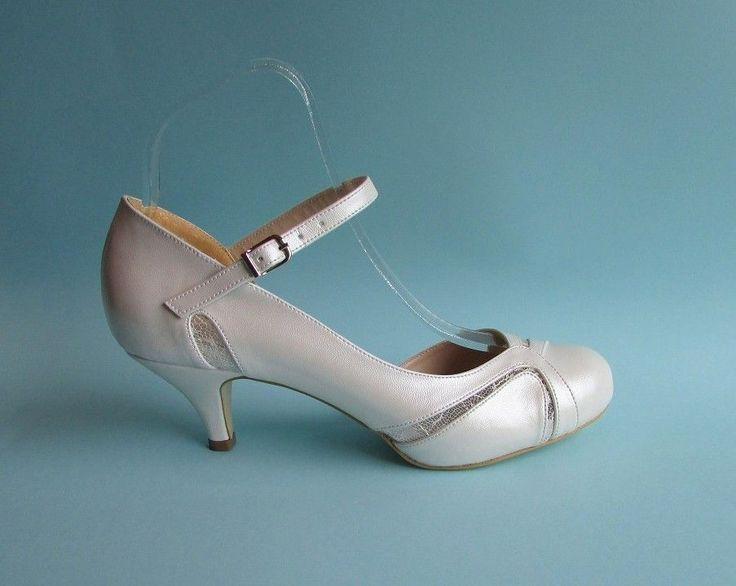 Esküvői cipők és szandálok - Divatos és elegáns menyasszonyi ruhák, esküvői ruhák