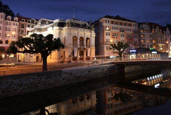 Municipal Theatre Karlovy Vary | Karlovy Vary – průvodce, hotely, lázně, wellness, webkamera ...