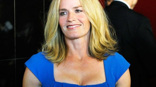 the girl we all wanted to be is back!!!!! http://www.foxnews.com/entertainment/2011/11/21/elisabeth-shue-joins-csi-which-80s-hottie-is-still-hot-today/