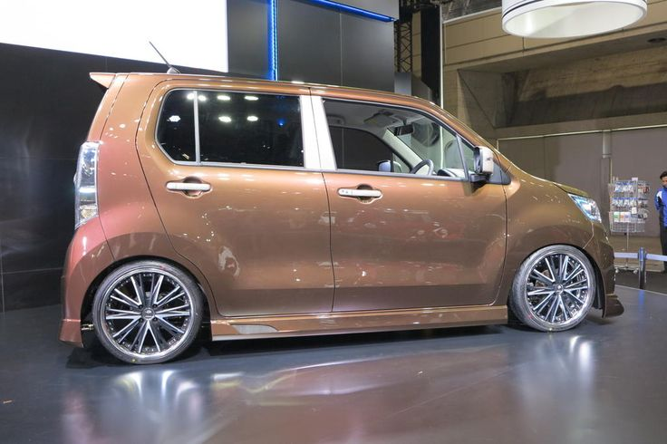 Autoguide.com, Japan 2013 Auto Salon Suzuki Stingray Wagon
