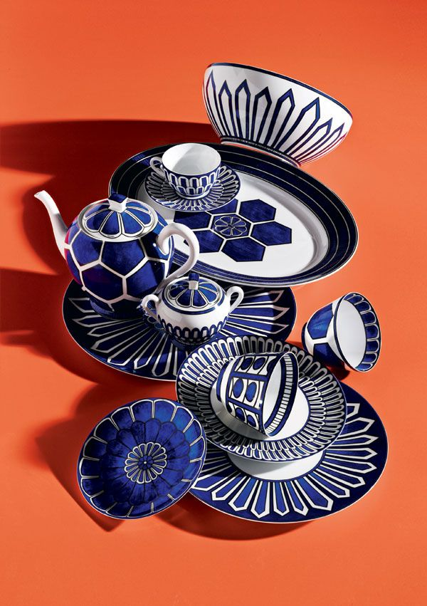 I saw this at a local store and was smitten.  Not so long ago I would have said I didn't like blue and white china.  Perhaps I just don't like heavy blue and white stoneware. -- Hermès d'ailleurs