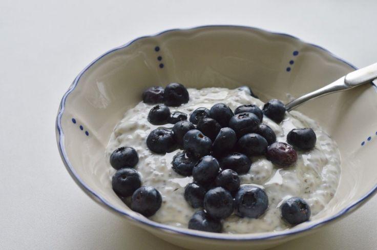 Avilia ließ sich Chiapudding zum Frühstück schmecken.  http://aviliasway.de/2014/11/27/vegan-wednesday-37/