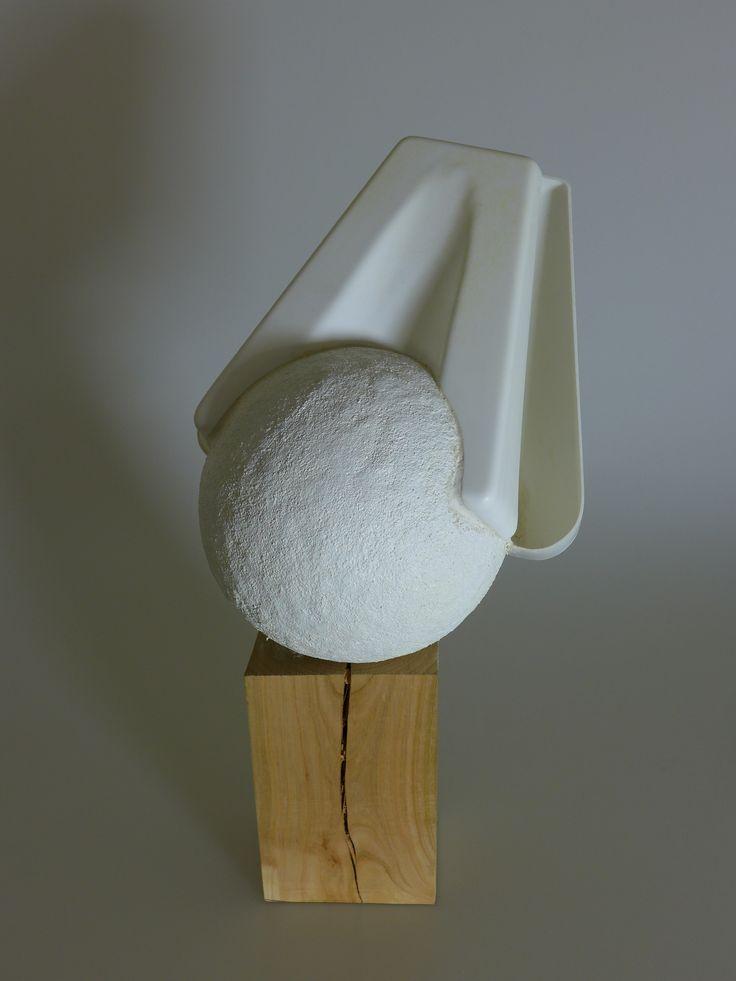 Objekt - tvarová a materiálová štúdia