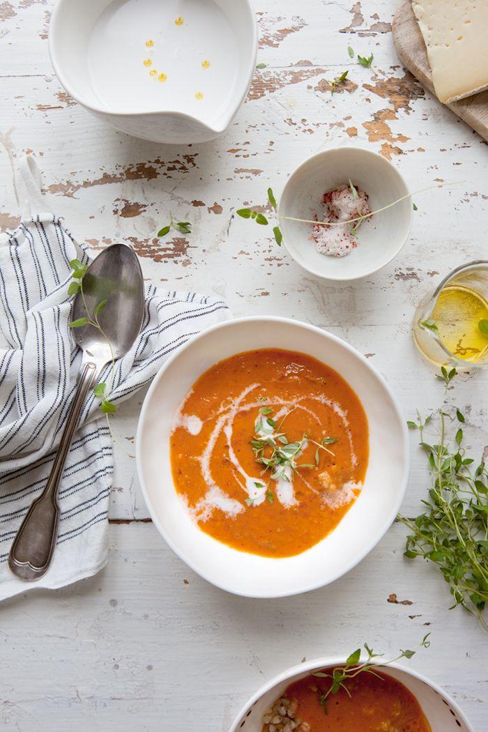 Rostad tomatsoppa med fänkål och kokosmjölk » Dagmar's Kitchen matblogg – lite nyttigare & lite godare med säsongsbetonade och naturliga råvaror | matfotograf, matstylist, matskribent, receptkreatör i göteborg | food photographer, food stylist in gothenburg sweden | workshops inom matfoto, matstyling, naturligt ljus