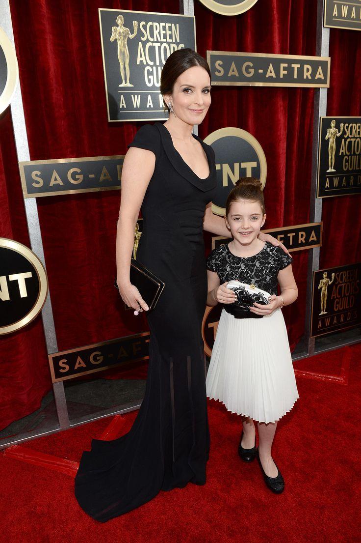 Tina Fey in Oscar de la Renta at the SAG Awards 2014 with her daughter.