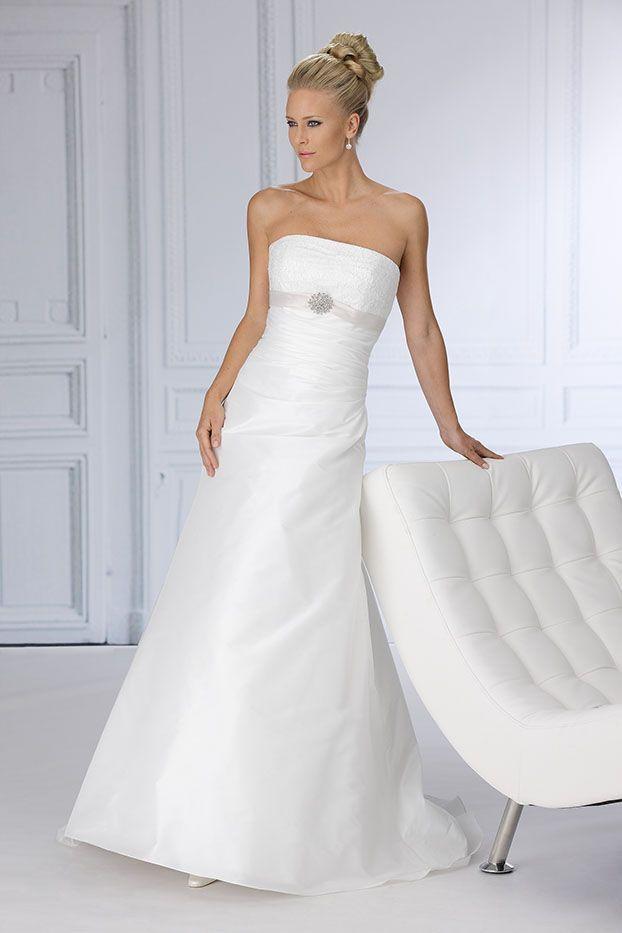 Klassieke maar strakke trouwjurk voor de moderne bruid