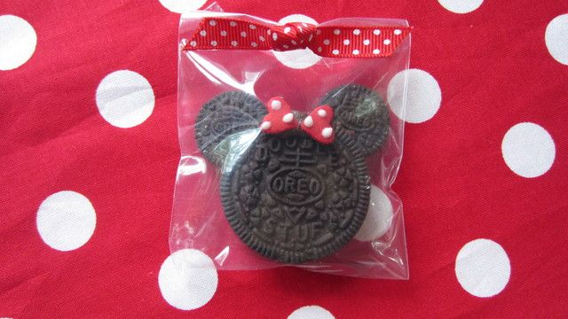 Oreos at a Red Minnie Mouse Party #minniemouse #partyoreos