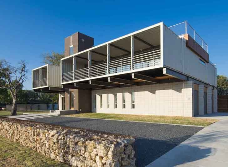 Sprawling Dallas home is built from 14 shipping containers…