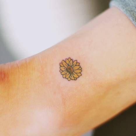 Small Flower Tattoo On The Ankle Tattoo Artist Seoeon