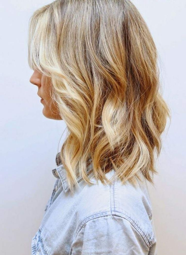 gestufter long bob - leicht gewellte Haare