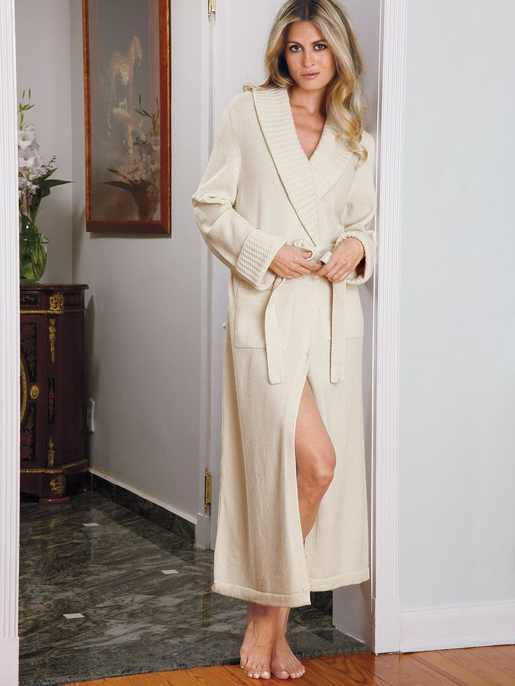 Baronessa - Luxury Nightwear - For leisurely moments and momentous evenings at home, our posh 100% pure cashmere robe is the epitome of luxury