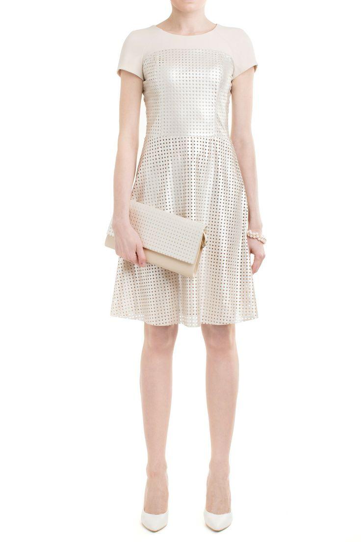 Nasza propozycja stylizacji na wesele - rozkloszowana sukienka wykończona jasną, złotą skórką ekologiczną. W komplecie z kopertówką!  #moda #danhen #stylizacje #wesele #okazja #zloto