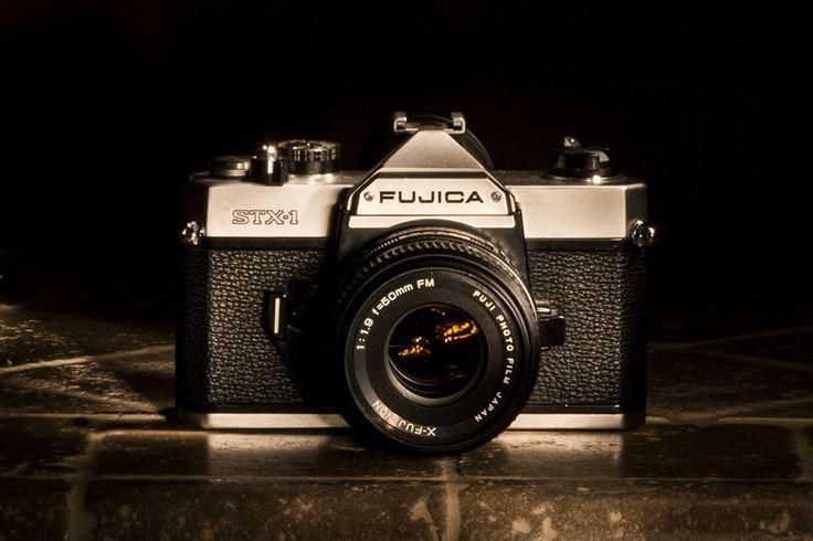 Vintage camera Fujica STX1 | da Alessio Trafeli