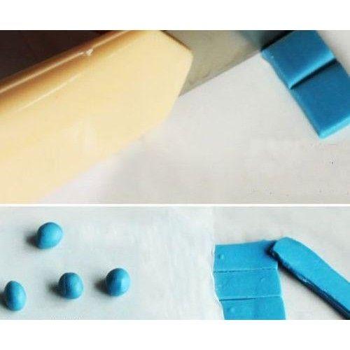 Blu Tack gyurmaragasztó - újra használható poszter ragasztó - Bostik gyurma ragasztó Ft Ár 399