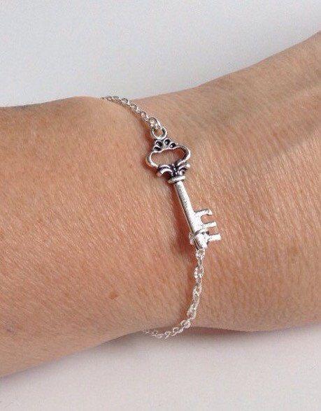 Steampunk Skeleton Key Bracelet, Key Jewelry, Key Bracelet by Sheilasattic on Etsy https://www.etsy.com/listing/196369197/steampunk-skeleton-key-bracelet-key