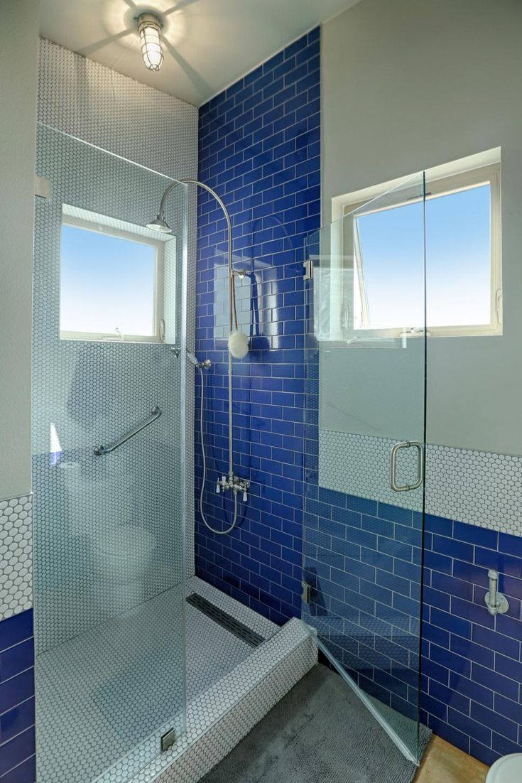The 25+ best Royal blue bathrooms ideas on Pinterest | Delphinium ...