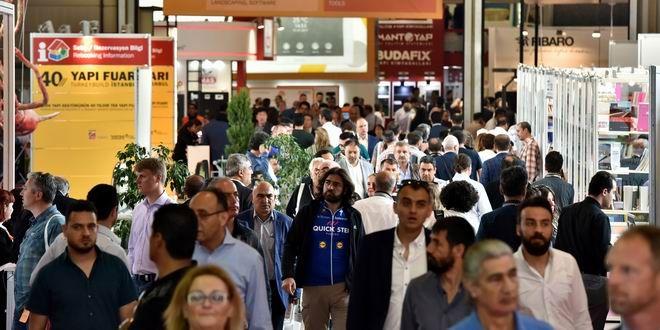 Yapı Fuarı – Turkeybuild İstanbul 40. Yılında, 40 farklı konudaki etkinlikleriyle, dünyaca ünlü konuşmacılarıyla, ödülleriyle, yenilikçi malzemeleriyle yapı sektöründe gündem yarattı. Büyük ilgi gören fuar 82.427 ziyaretçiyi ağırladı… Fuar kapsamında düzenlenen 40. Yıla özel, 40 farklı etkinlikte, dünyaca ünlü ödüllü mimarlar, dünyanın dört bir yanından gelen konusunda uzman konuşmacılar; gayrimenkul, yeni ürün, inovasyon, tasarım, mimarlık, ...