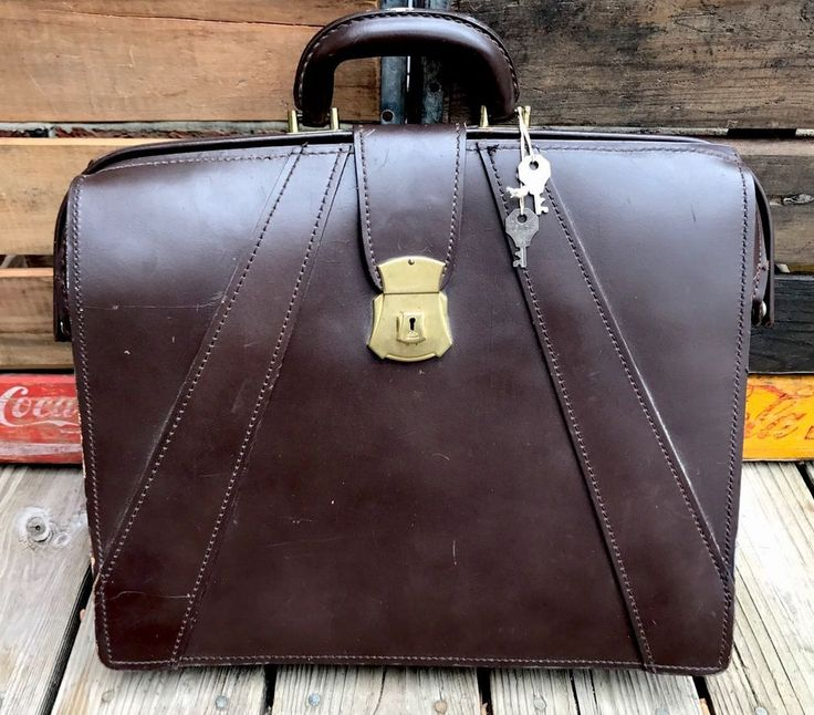 Vintage CREST Lock Co. Brown Full Grain Cowhide Leather Hinged Lawyers Briefcase #Crest #BriefcaseAttache