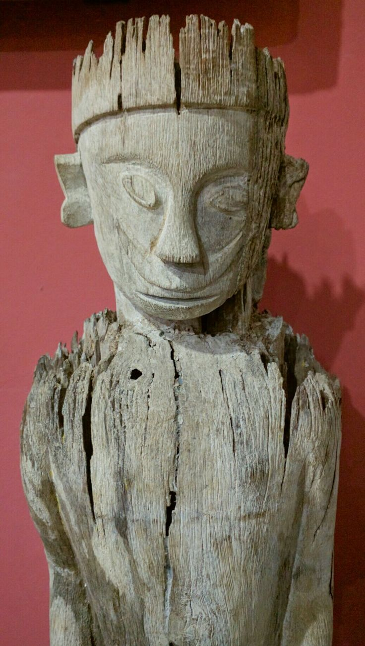 Old Statue from Kalimantan Borneo. www.kulukgallery.com