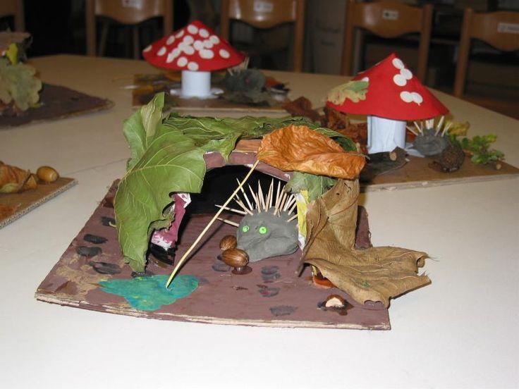 DIY Super leuk Klei Egeltje in herfstbladeren holletje.. Egel is bijna klaar voor zijn winterslaapje! •°•° Hedgehog is ready for his wintersleep, he build a comfy home of leaves ;-D