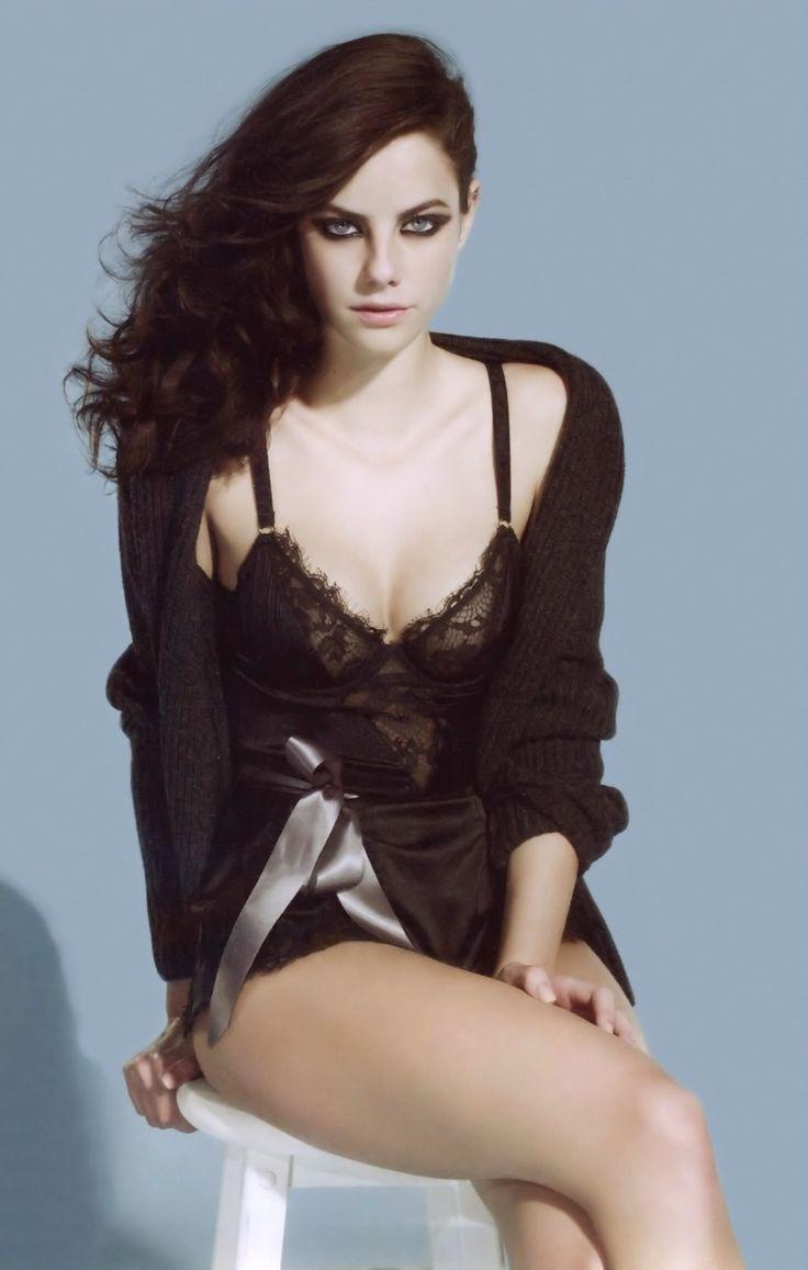 Jacqueline Carey's 'Kushiel's Legacy' Casting: Phèdre nó Delaunay de Montrève (younger) - Kaya Scodelario: