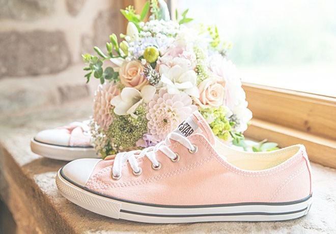 Weddings with converse sneakers - Google Search