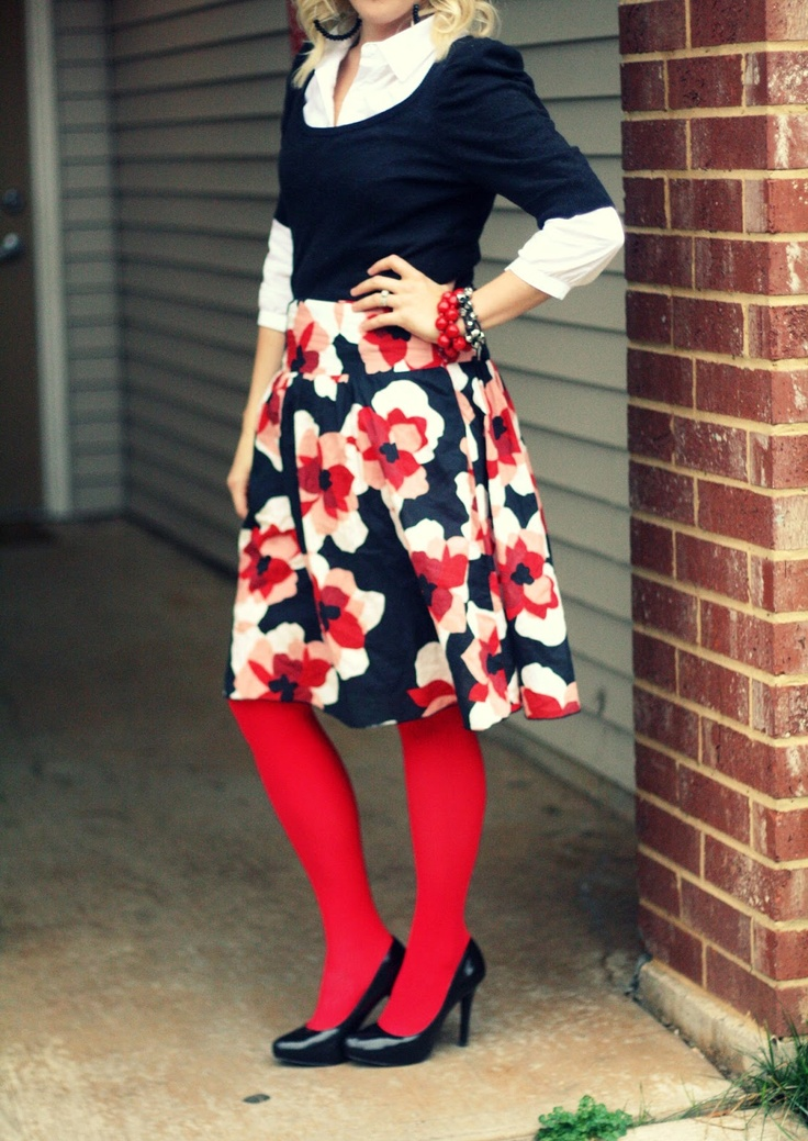 Floral Skirt + Red Tights | Outfit | http://prettylifeanonymous.blogspot.com | #Floral #Tights #Outfit