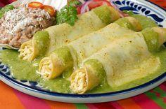Receta: Enchiladas suizas de pollo y jamón de pavo   Mujer 1310.com estación de radio en vivo