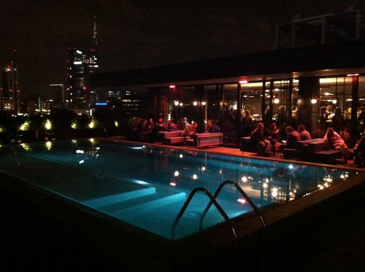 Ceresio 7 pools restaurant milan lombardy p l c for Dsquared ceresio 7