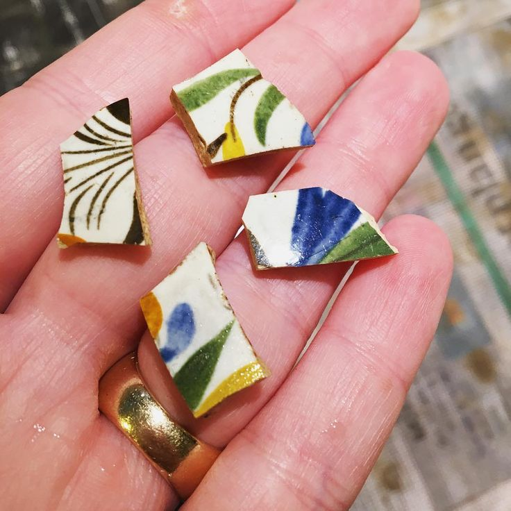 """Hand Painted Pearlware photographed by Caitlin Coleman (@archaeologyto) on Instagram: """"Some lovely pieces of hand painted ceramics! The browns, yellow and muted greens date these…"""""""