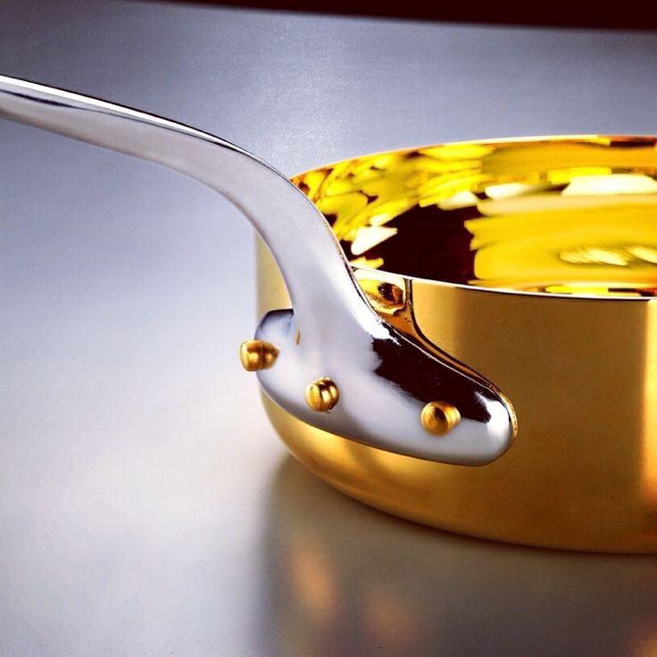 The Gold Pot, our symbol. // La Pentola d'Oro, il nostro simbolo